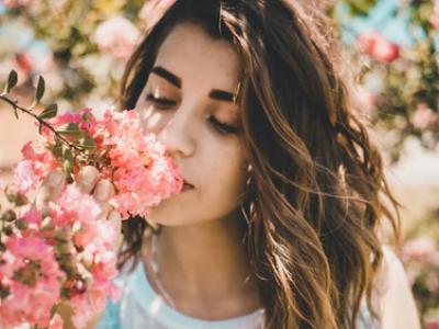 50 frases filosóficas de amor para refletir sobre o seu real significado