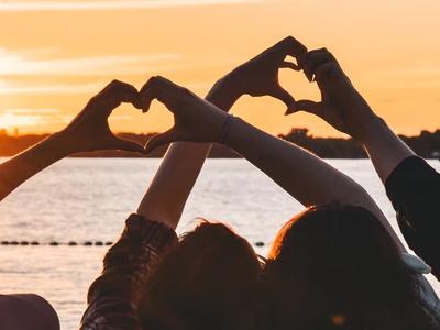 50 frases de amor ao próximo para cultivar boas relações