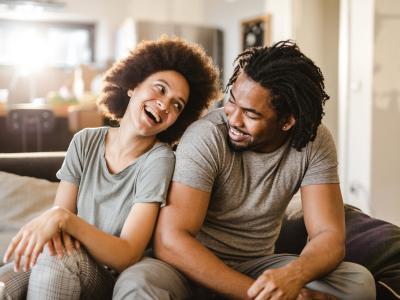 50 frases de felicidade no amor que vão te fazer querer se apaixonar
