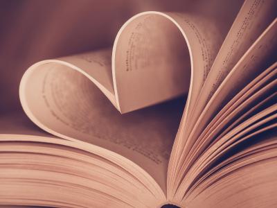 40 frases de livros de romance para aquecer seu coração