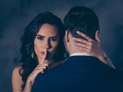 45 frases de traição de amor que expressam a complexidade da situação